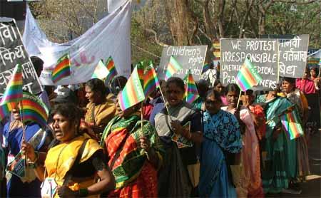 Manifestation des travailleuses du sexe et de Rainbow Planet au FSM 2004