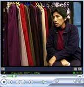 Gros plan sur Paulina Paucar Peña, commerçante ambulante au Pérou